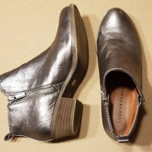 Lucky Brand LK Basal metallic ankle boots